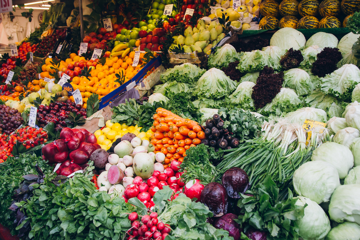 """""""The planetary health diet"""": a call to shift focus from red to green"""